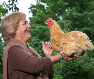 author-hen-on-arm-3in-300-dip